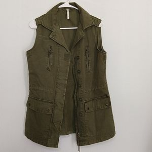 Willow & Clay Green Utility Army Vest